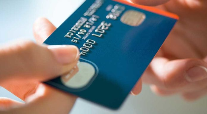 Platební karta (kreditka) v USA