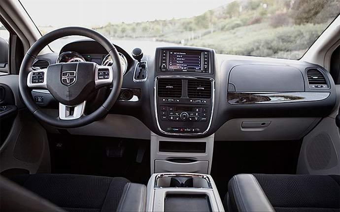 Interiér Dodge Caravan