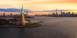 Socha Svobody a Ellis Island