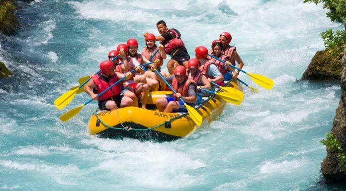 Raftování na řece v Grand Canyonu