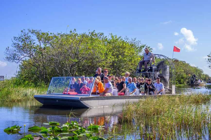 Vrtulová vznášedla airboat na Floridě