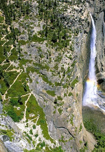 Cesta k hornímu Yosemitskému vodopádu