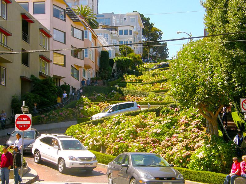 Lombard Street - nejklikatější ulice