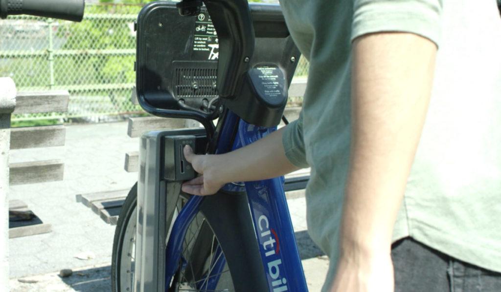 Zadání kódu při půjčení kola v New Yorku