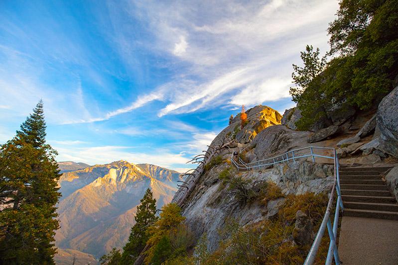 Výstup na Moro Rock Sequoia národní park